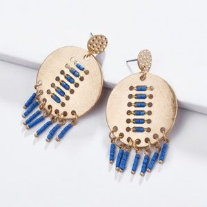 🌟2 for 25$🌟Unique Gold medallion w/blue beads